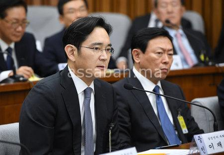 12 عام سجنا لنائب رئيس سامسونغ
