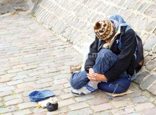 صوت المجتمع: معاناة برتغالي مختل بشوارع أزيلال