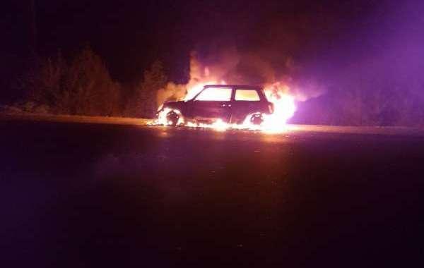 النيران تلتهم سيارة بالطريق السيارة بين البيضاء والرباط