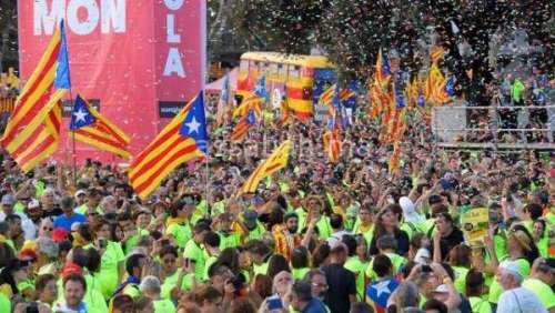 استفتاء كاتالونيا .. التوتر يزداد بإسبانيا