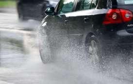 تحذيرات للسائقين أثناء استعمال الطريق بسبب الأمطار