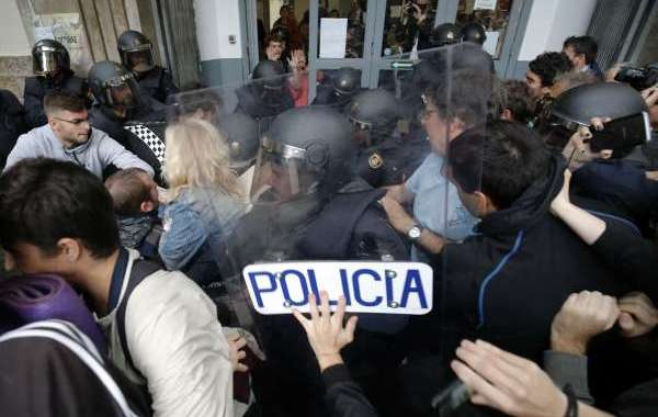 يوم عصيب ينتظر مدريد وكاتالونيا