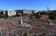 مظاهرات في 50 مدينة إسبانية دعما للحوار بين مدريد وبرشلونة