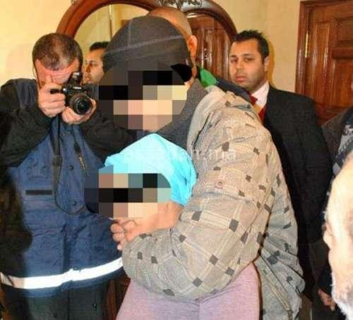 في بيتنا مجرم ... صباغ يقتل أمه وأخاه وابني أخته