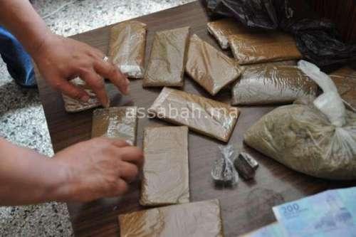 إيقاف مغربي متهم بتهريب المخدرات