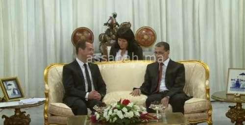 فيديو .. العثماني يلتقي رئيس الحكومة الروسي ميدفيديف