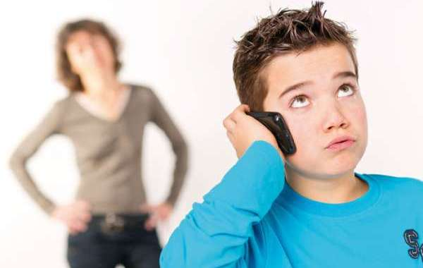 مخاطر سماعات الأذن على الأطفال