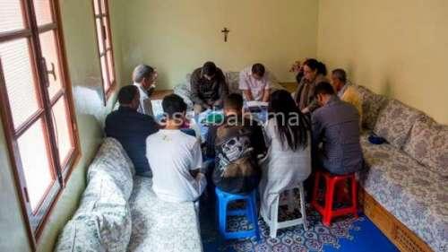 المغاربةالمسيحيون يبسطون معاناتهم