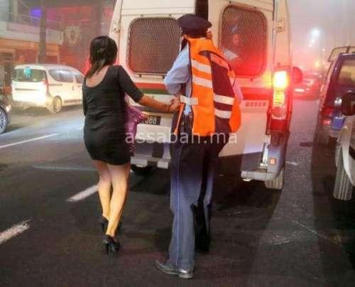 اتهام شرطي بتصفيد فتاة واغتصابها