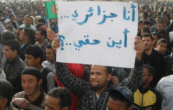 بالفيديو ... احتجاجات الجزائر تخرج عن السلمية