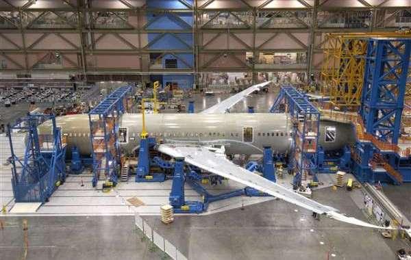 العلمي: قطاع صناعة الطيران يهدف إلى رقم أعمال ب26 مليار درهم