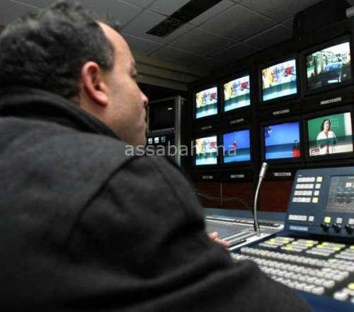 ساعة الحساب ... ديون ومنح بالملايين في التلفزيون