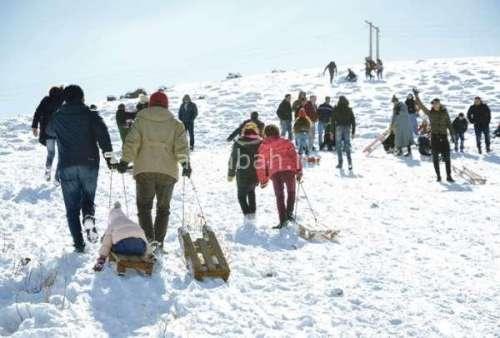 الملك يأمر بمساعدة المحاصرين بالثلوج