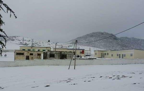 الثلوج تشل الحركة بجبال الريف
