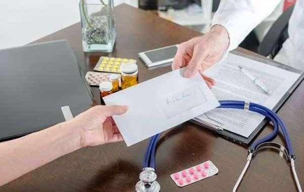 أطباء ينهون صلاحية الشهادات