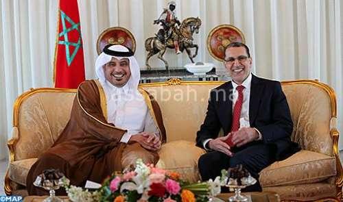 الملك يقيم مأدبة عشاء على شرف رئيس الوزراء القطري