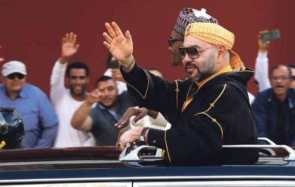 القمة 32 للاتحاد الإفريقي تشيد بالملك