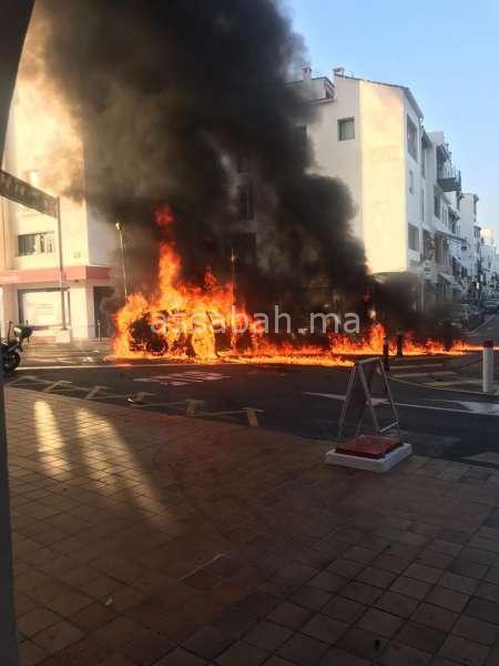 بالصور والفيديو ... انفجار سيارة بماربيا