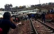 فيديو ... انحراف قطار عن سكته قرب بوقنادل يخلف قتلى جرحى