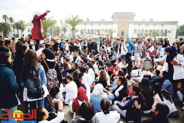 فيديو ... التلاميذ يخرجون في مسيرات احتجاجية رفضا للتوقيت الجديد