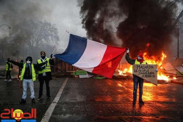 باريس تحترق ... والسياح مذعورون