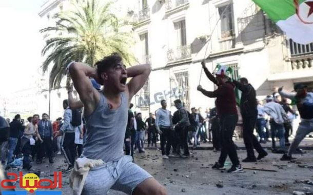 بالصور ... الدماء تسيل في ثورة الجزائر