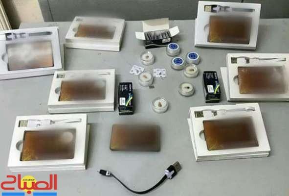 اعتقال طالبين يبيعان أجهزة للغش في الامتحانات