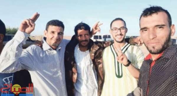 قادة الرأي بالمخيمات خارج السجن